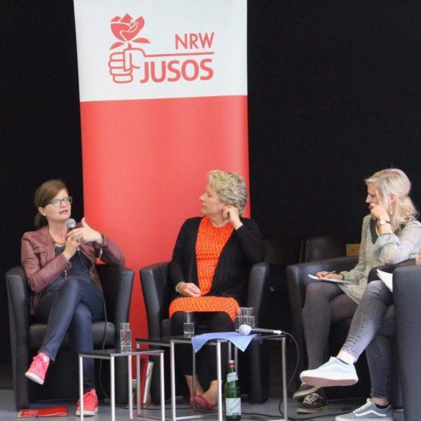 NRW-Jusos: Feminismusforum: Nur, weil ich ein Mädchen bin?!