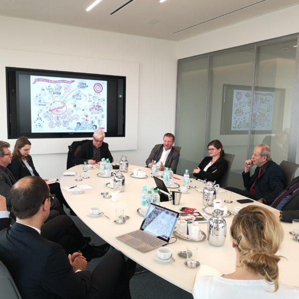 Duisburger Landtagsabgeordnete diskutieren mit Klöckner & Co über Digitalisierung