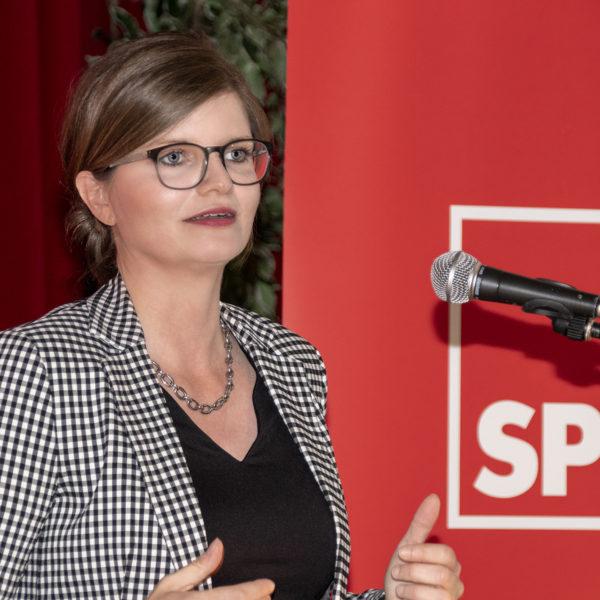 NGZ Online: Aufruf zur Europawahl beim SPD-Empfang