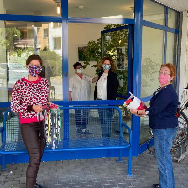 LokalKlick: SPD-Frauen spenden Atemschutzmasken an das Johanniter-Stift in Neudorf