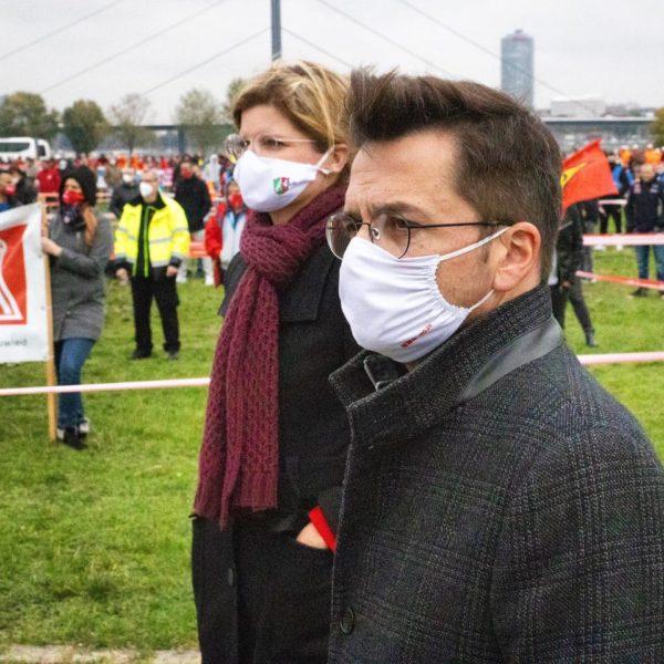 Stahl hat Zukunft: Demo in Düsseldorf
